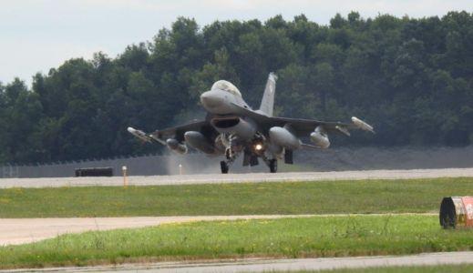 Oshkosh F16