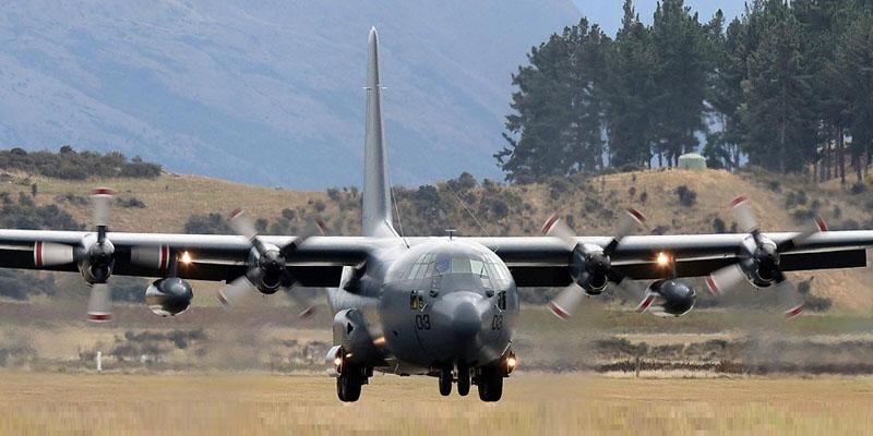 http://www.airshowtravel.co.nz/wp-content/uploads/C130sWanaka_800_400.jpg