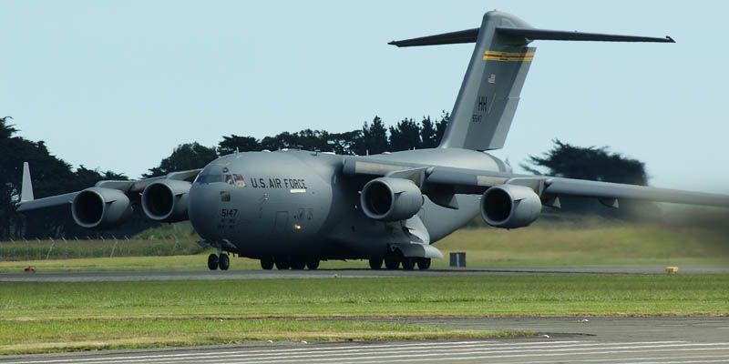 http://www.airshowtravel.co.nz/wp-content/uploads/C17line-up_800_400.jpg
