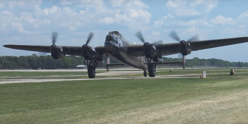 http://www.airshowtravel.co.nz/wp-content/uploads/EAA-2lanc_800_400.jpg