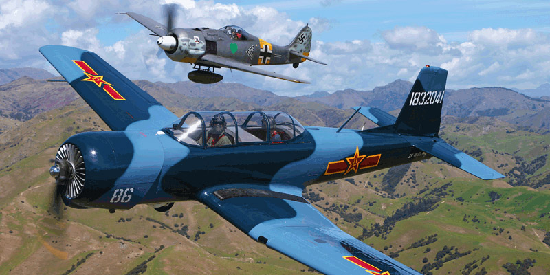 http://www.airshowtravel.co.nz/wp-content/uploads/FW190-CJ6Omaka_800_400.jpg