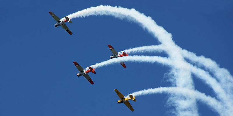 http://www.airshowtravel.co.nz/wp-content/uploads/Harvard_loop_800_400.jpg