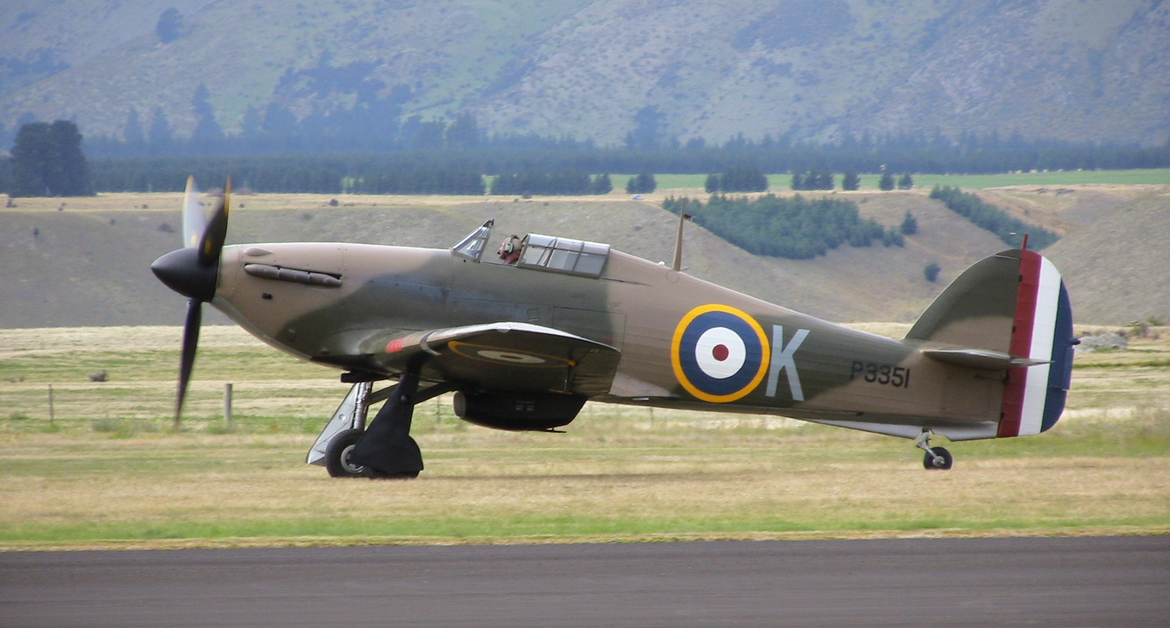 http://www.airshowtravel.co.nz/wp-content/uploads/Hurricane.jpg