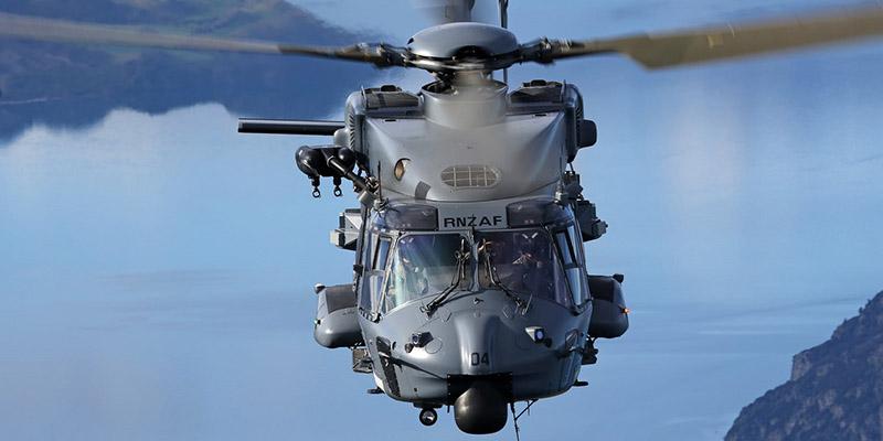 https://www.airshowtravel.co.nz/wp-content/uploads/RNZAF_Chopper_800_400.jpg
