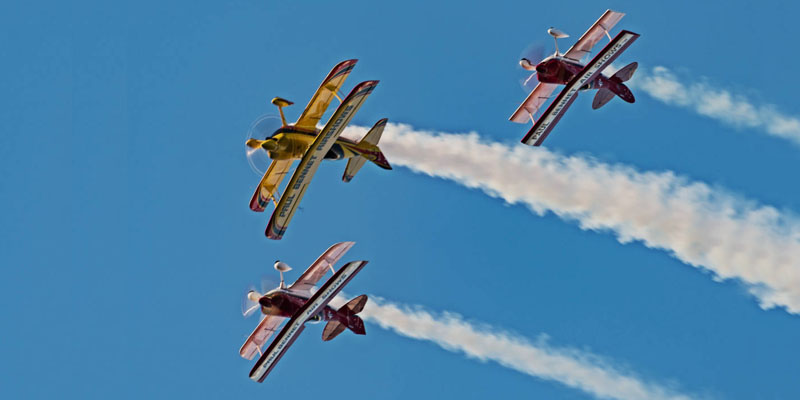 https://www.airshowtravel.co.nz/wp-content/uploads/Sky-Aces_900_400.jpg