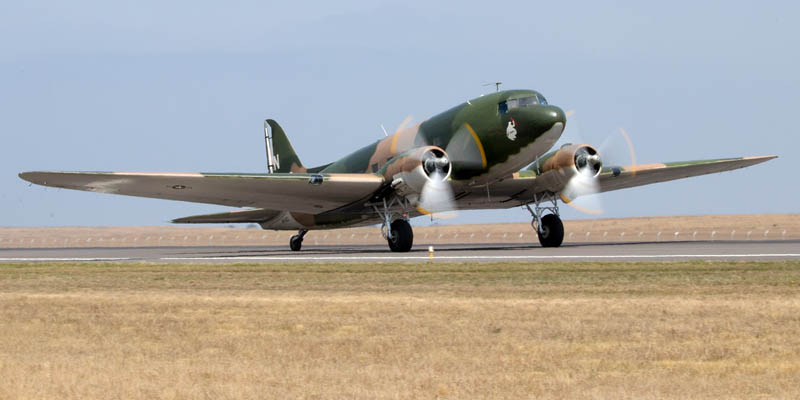 http://www.airshowtravel.co.nz/wp-content/uploads/avalon_dc3_800_400.jpg