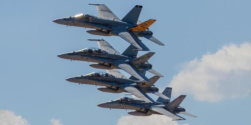 http://www.airshowtravel.co.nz/wp-content/uploads/avalon_hornets_800_400.jpg