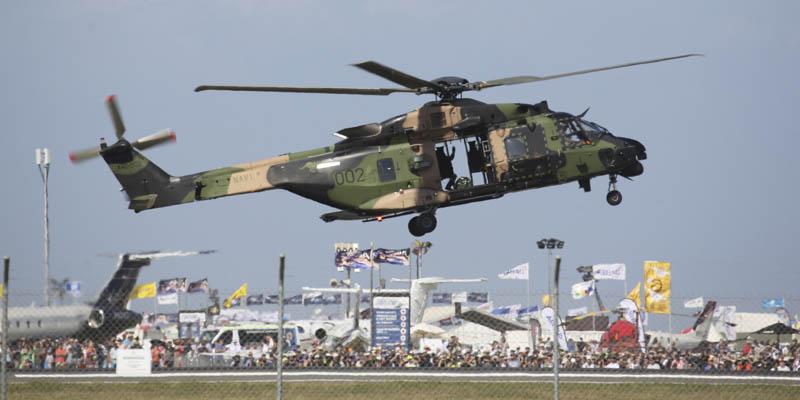 http://www.airshowtravel.co.nz/wp-content/uploads/avalon_navy_chopper_800_400.jpg