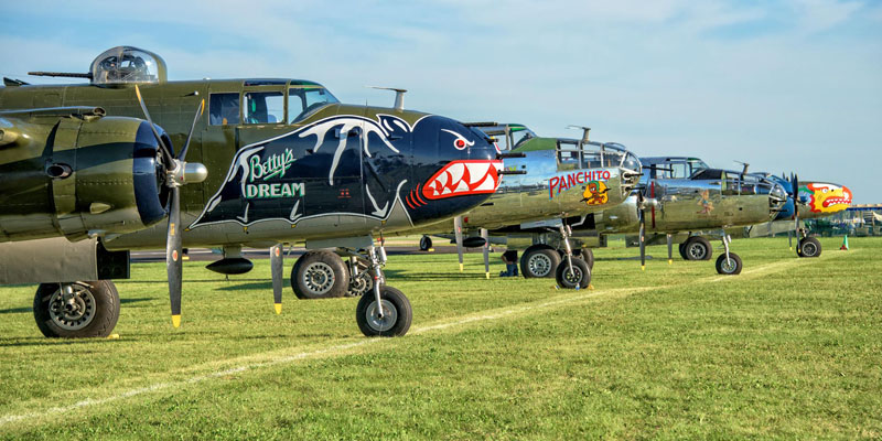 http://www.airshowtravel.co.nz/wp-content/uploads/b25_lineup_800_400.jpg