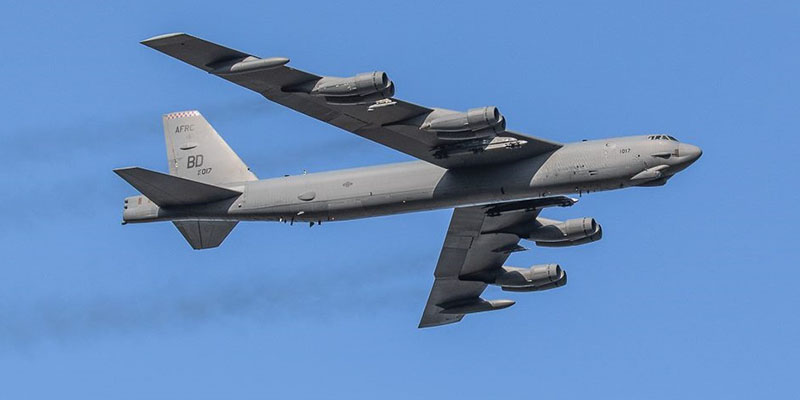 https://www.airshowtravel.co.nz/wp-content/uploads/b52_oshkosh_2018_800_400.jpg