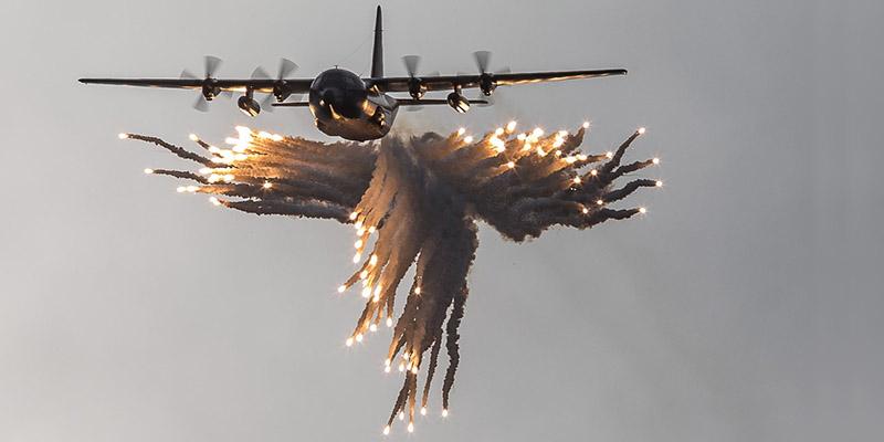 https://www.airshowtravel.co.nz/wp-content/uploads/c130_flares_800_400.jpg