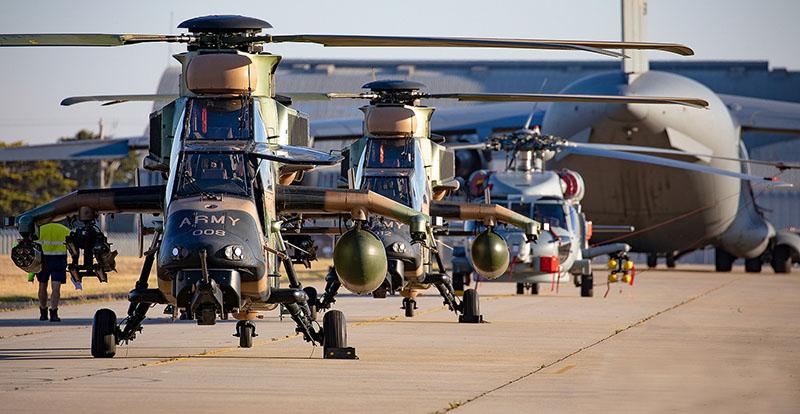 https://www.airshowtravel.co.nz/wp-content/uploads/choppers_800_400.jpg
