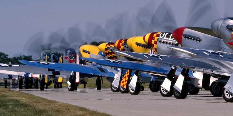 http://www.airshowtravel.co.nz/wp-content/uploads/mustangs_anyone_800_400.jpg