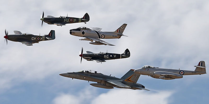 http://www.airshowtravel.co.nz/wp-content/uploads/temora_flyby_800_400.jpg