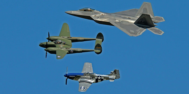 https://www.airshowtravel.co.nz/wp-content/uploads/trio_oshkosh_2018_800_400.jpg