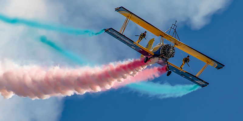 https://www.airshowtravel.co.nz/wp-content/uploads/wingwalkers_800_400.jpg