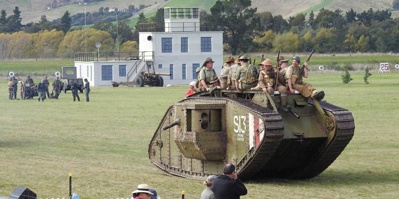 http://www.airshowtravel.co.nz/wp-content/uploads/wwi_tank_800_400.jpg